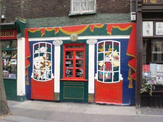 pollocks-toy-museum_1